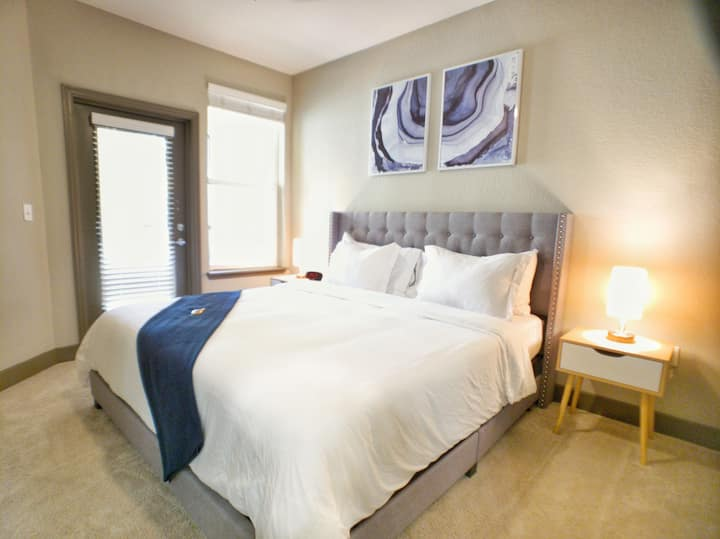 Tranquil King Suite at Tampa Oaks