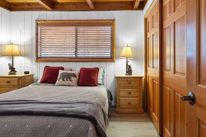 Bedroom 1 - downstairs