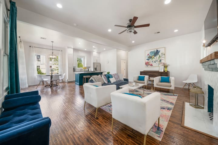 The Riley House -1920s Updated Downtown - 3 Baths