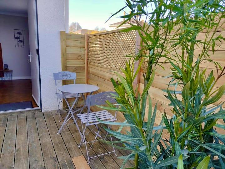 Cholet centre | Appt avec terrasse - parking privé