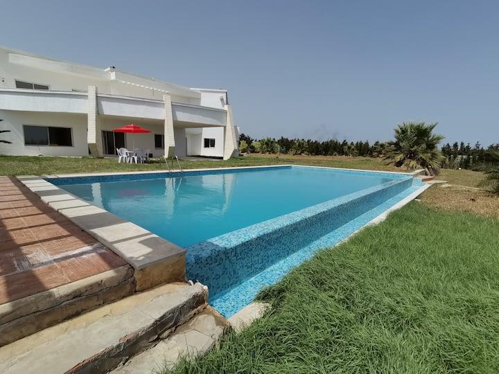 Luxueuse villa avec piscine à kelibia