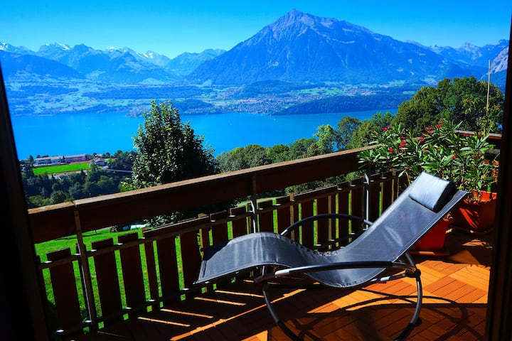 🇨🇭Authentic Swiss Chalet📸Best views👌Pro Cleaned