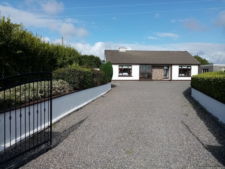 Relax or explore Connemara from this Carraroe Home