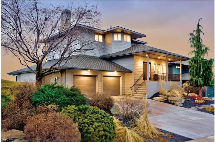 Foothills East Home With Spectacular Boise Views