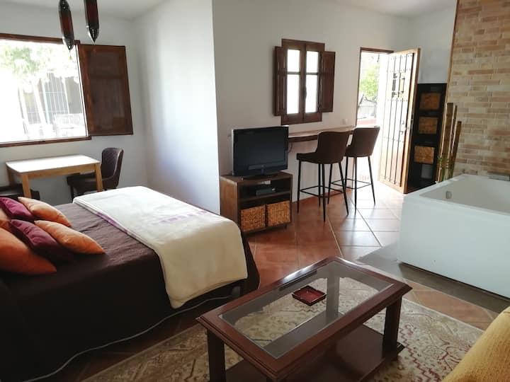 Romántico apartamento en la naturaleza con jacuzzi
