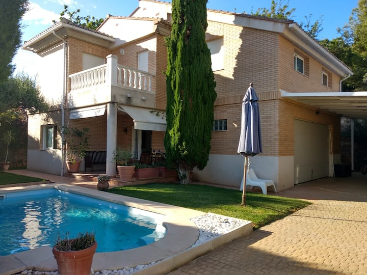 Alfinach Villa with Pool