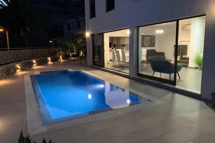 Villa Giselle - Modern Luxury in La Gomera