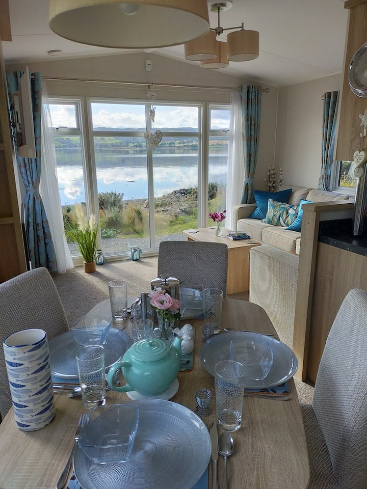 Beautiful Sea View Caravan Close to Inverness
