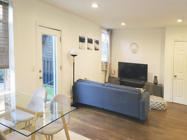 2-bed & 2 bath & private courtyard in Downtown JC.