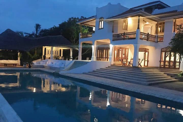 Araliya House -Stunning Ocean Facing Villa
