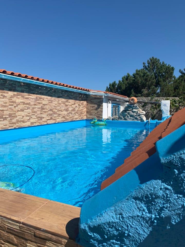 Maison avec piscine et jardin privé