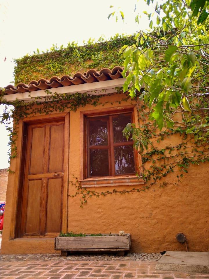 Habitación con mágia, confort, jardines y armonía.