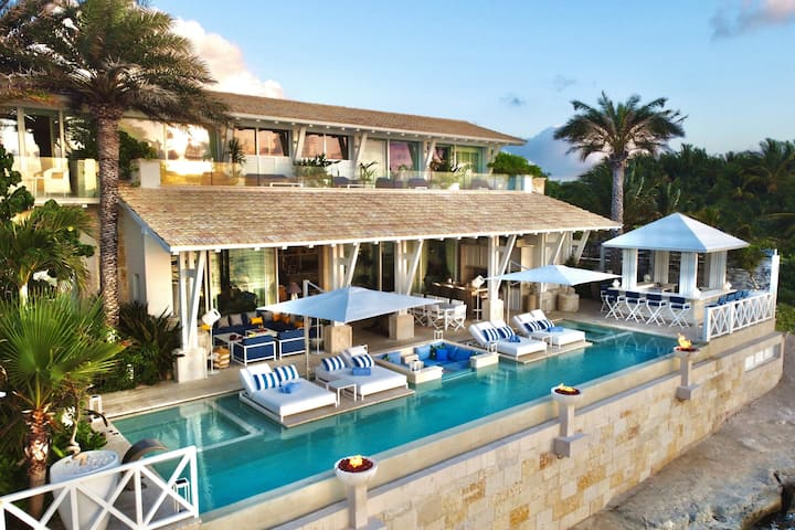 Villa Sha - Ocean Front Luxury Villa in Cancun