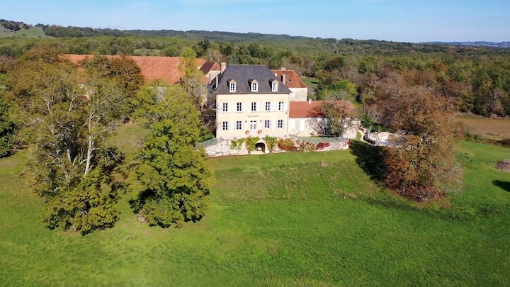 Luxury Dordogne stunning views and private pool