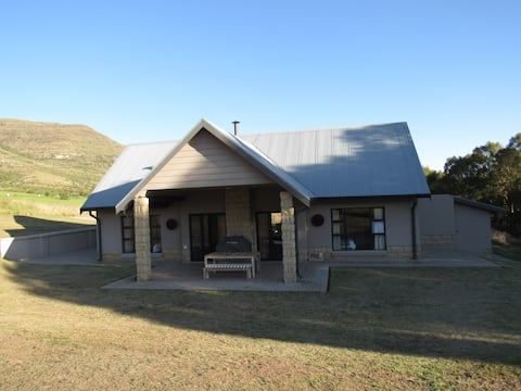 Cute and Quirky comfy stay with a mountain view