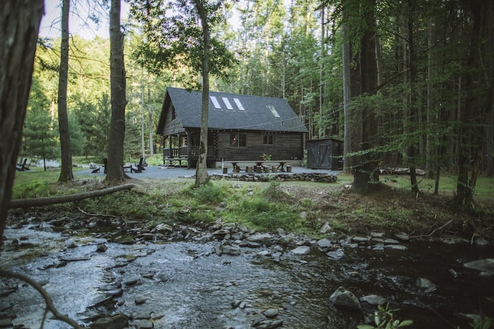 Little River - A New Waterfront Log Cabin