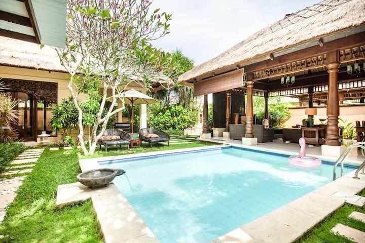 Lovely 3 Bedroom Villa Near the Beach in Jimbaran