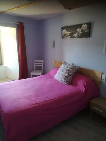 chambre à coucher  lit en 140 /190