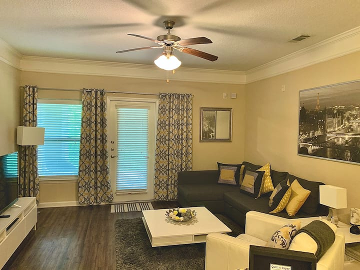 Upscale Corporate Apartment Close to RDU and RTP!