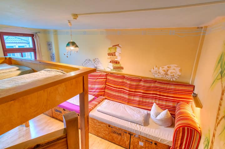 Private 3-bed room with shared facilities