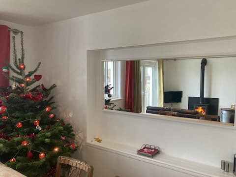 Bude: Comfortable and welcoming family home.
