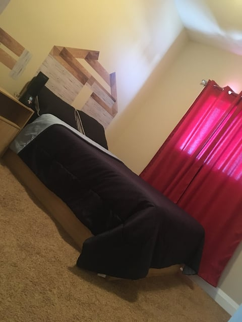 1 cozy bedroom with access to all amenities