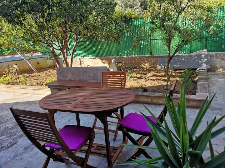 Casa Vacanze con giardino al centro di Terrasini