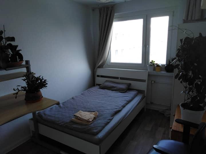 Ruhiges Zimmer zum Innenhof