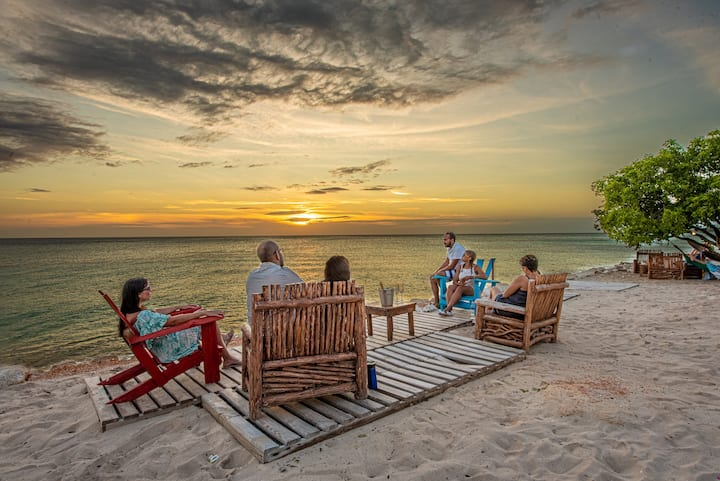 Family Glamping in the Beach - 6 Persons (B&B)