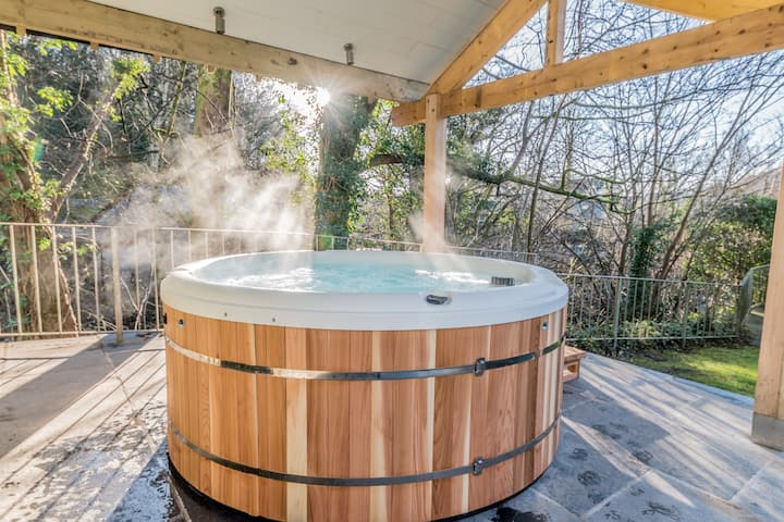 Ambleside, How Bank, Luxury House with Hot Tub