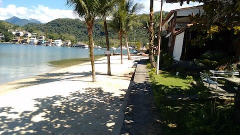 Excelente casa  com praia particular do condomínio