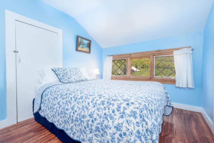 Bedroom #10