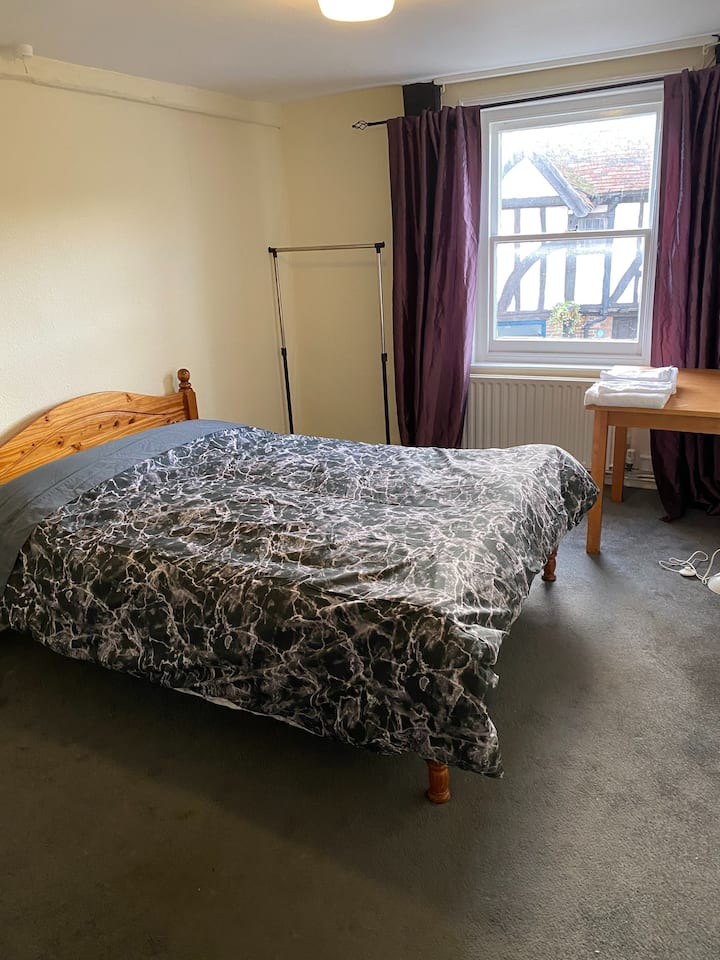 A double room at historic King & Queen Edenbridge