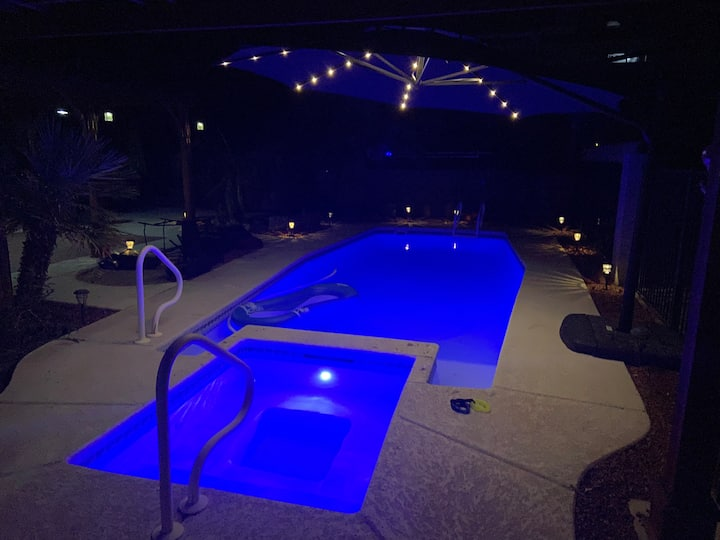 Hero's Vacation Hideaway, Heated Pool&Spa fun 4all
