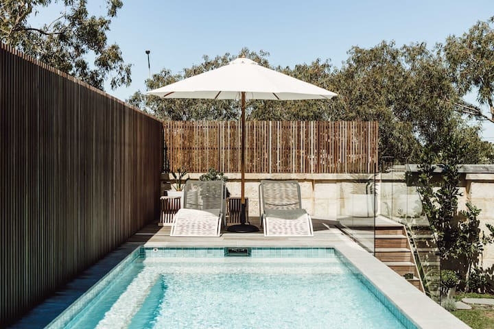 Plympton Pool House: Light-filled, laid-back, luxe
