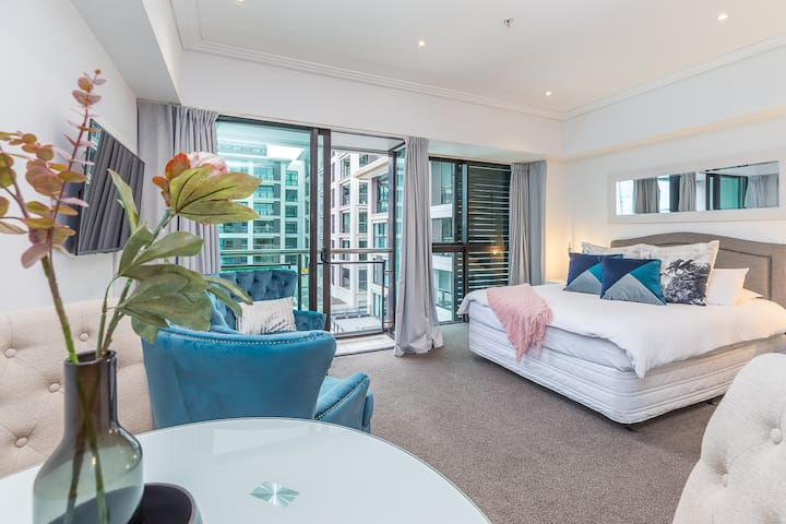 Comfortable & Cozy - Newly Furnished 'Quays'