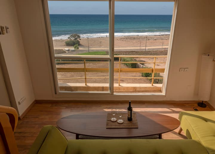 Amazing Ocean View: Beachfront - LOCKDOWN SPECIAL!