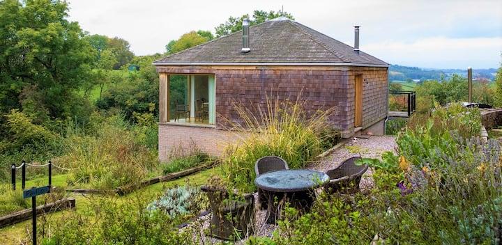 The Pavilion: Designer house, balcony views sauna