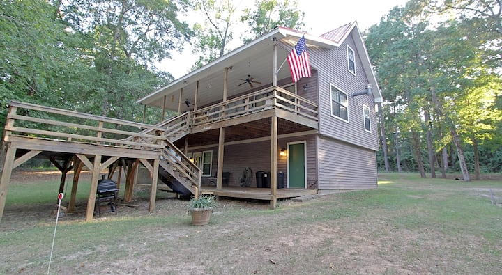 Easy On The Bend - Toledo Bend Lakefront Cabin