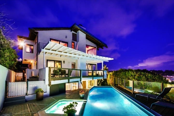San Diego Villa with pool,jacuzzi and sunset views