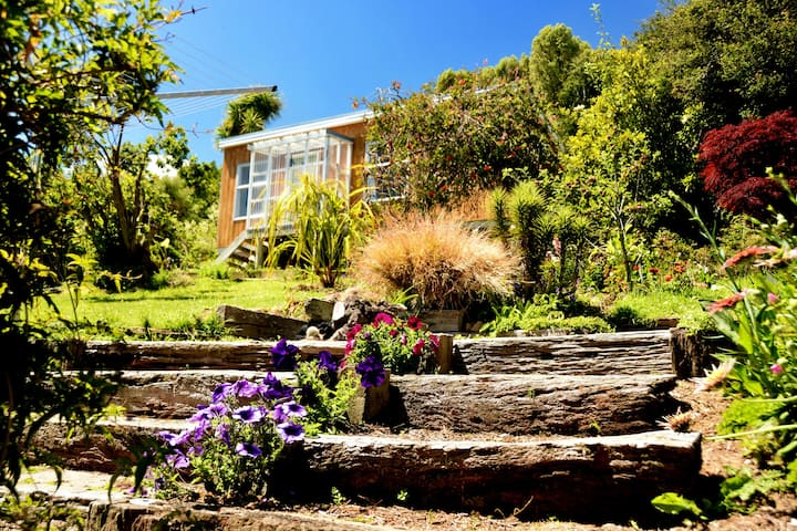 Birdsong Retreat Port Chalmers