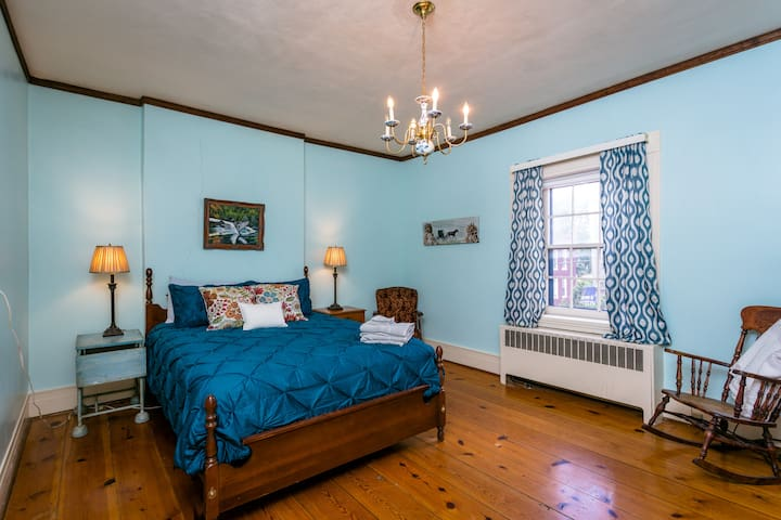 Lincoln Room, 2nd Bedroom