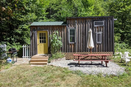 Mackintosh Homestead Glamping Experience