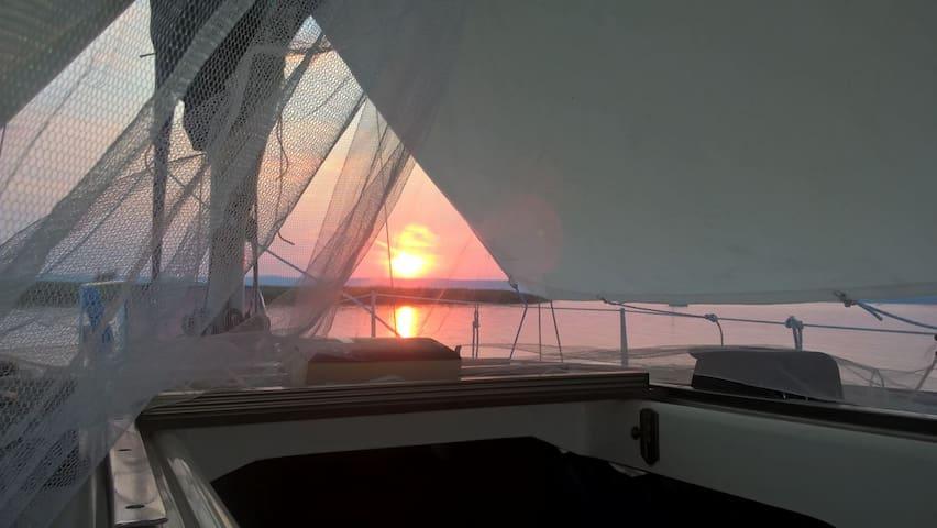 Übernachten auf der Monte Yacht!