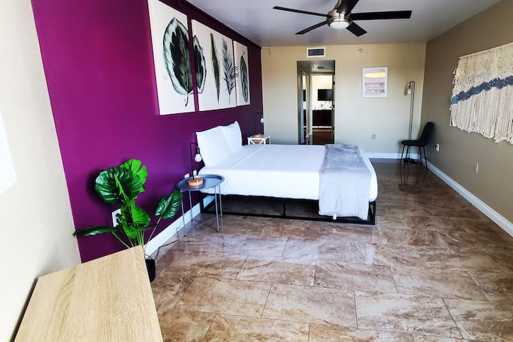 This Bedroom comes with bedsheets, pillows, closet, private bathroom, sink and a shower, always Sanitized, washed and clean sheets. This is an Airbnb in Las Vegas, Nevada is Near The strip. Building includes gym, pool, hot tub, HOWEVER MAY BE CLOSED