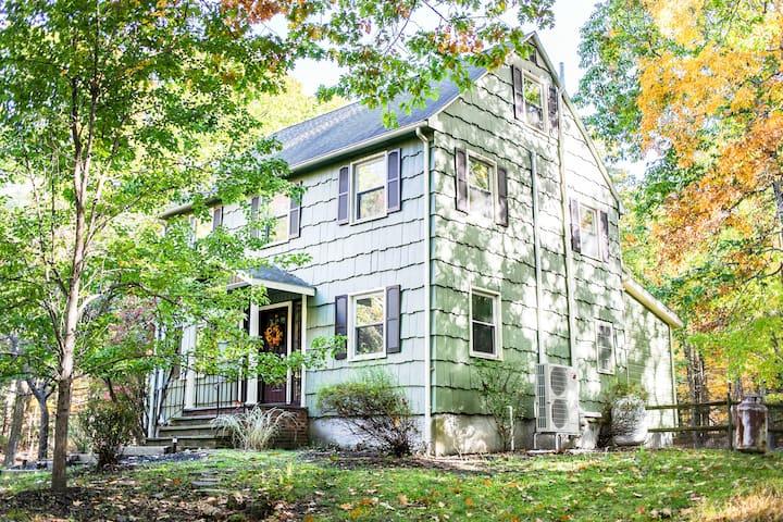 Catskill Mtns Private 25 Acre 5 Bedroom Estate