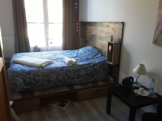 Chambre 1 à 2 personnes dans appartement Cosy