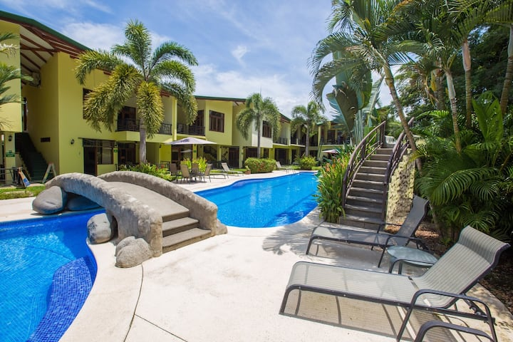 Tropical & Tranquil 1Bdrm - Steps to the Beach!