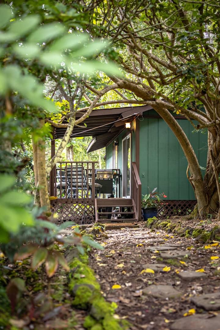 Quiet & Lush  South Kona Guest House