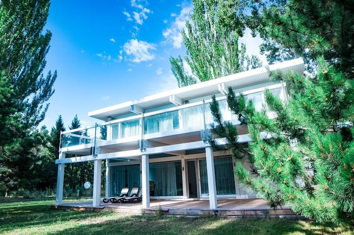 Magnificent villa on the shore of lake Issyk-Kul